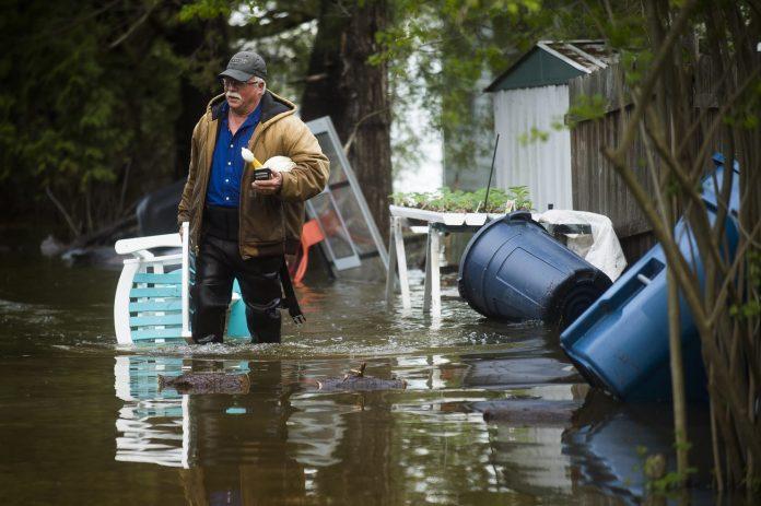 'Catastrophic' flooding underway as dam failures in Michigan force evacuation