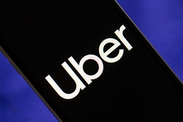 Uber cuts 3,000 more jobs, some US Apple stores set to reopen - Video