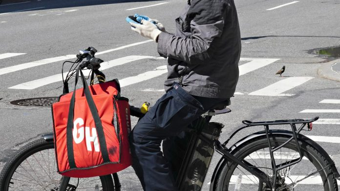 Uber may acquire Grubhub, Quibi to allow TV-streaming - Video