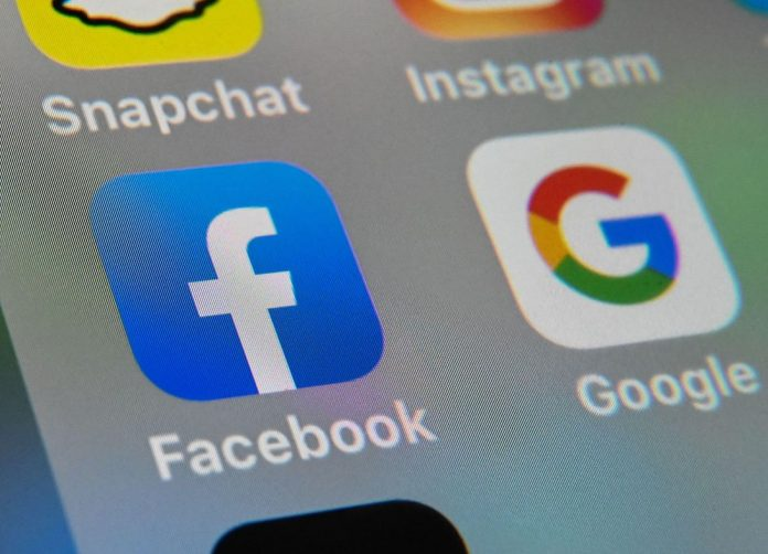 facebook-thumbs-up-like-1423