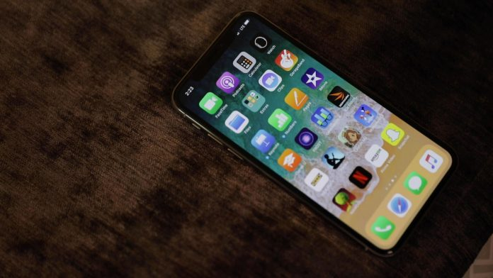 iPhone 12 production delayed? Apple, Google reworking tracing software - Video