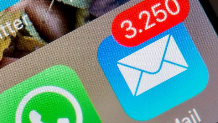 iPhone mail app vulnerable, NYT says China stoked US lockdown fears - Video
