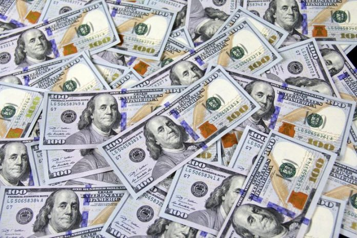 100 Dollar Banknotes