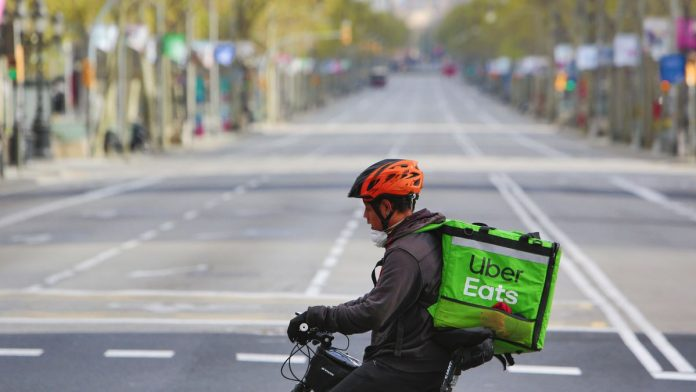 Gig workers with COVID-19 symptoms say it's hard to get sick leave from Uber, Lyft, Instacart