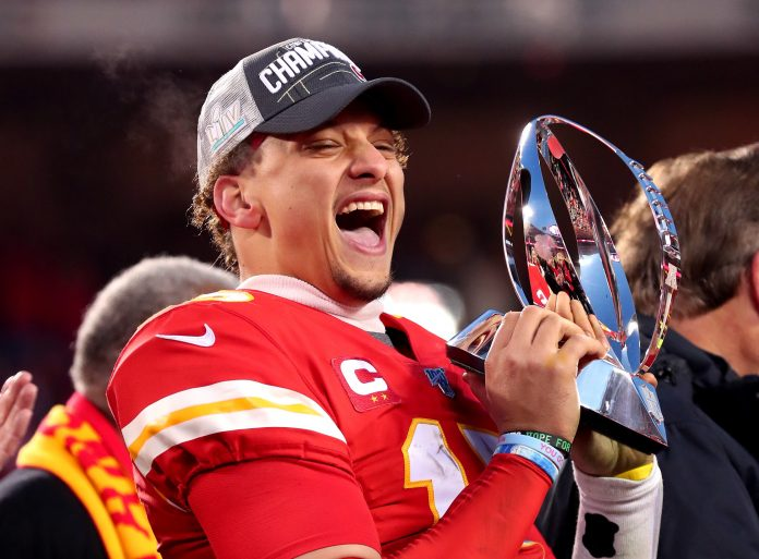 Patrick Mahomes' 10-year Chiefs extension worth more than $400 million