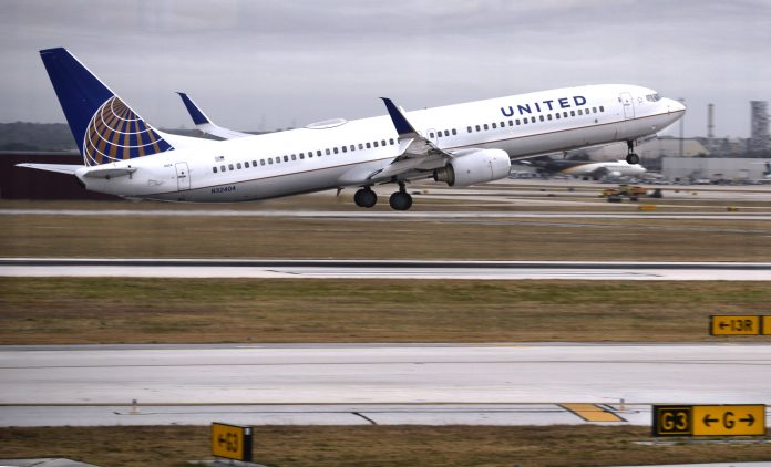 United plans to add 25,000 flights in August as customers 'slowly' return