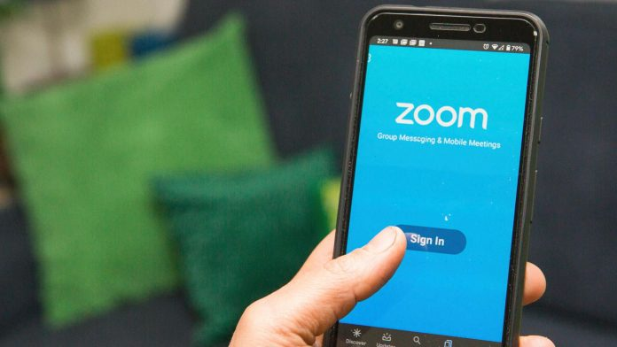 Zoom responds to privacy concerns, Amazon and Apple get along - Video