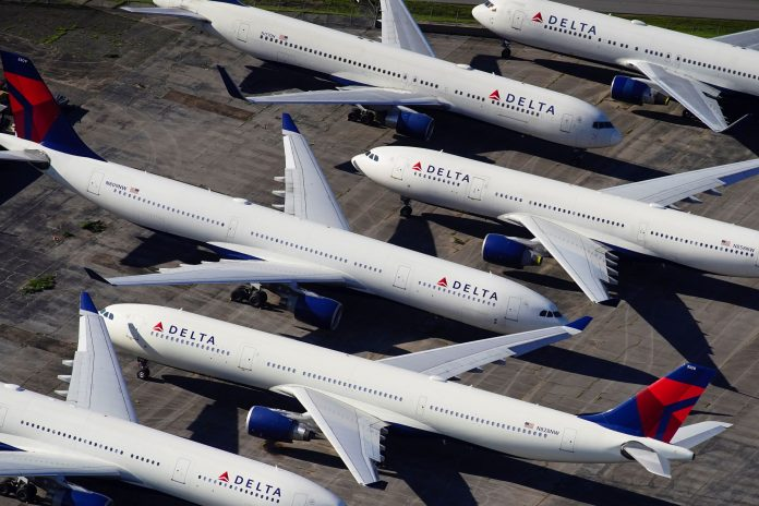 Delta urges 3,000 flight attendants to take unpaid leave, shorter schedules to avoid furloughs