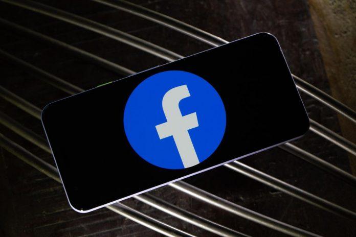 facebook-logo-phone-4597