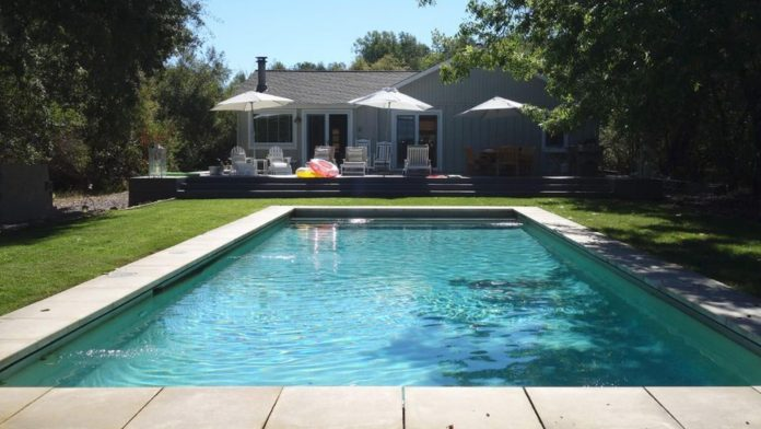 How to save money on vacation home rental sites - Video