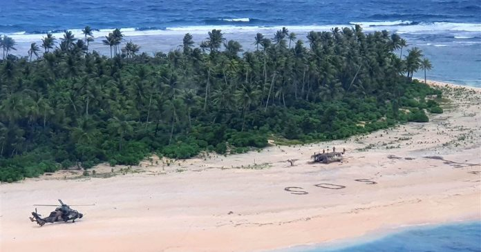 Men rescued from deserted Micronesian island