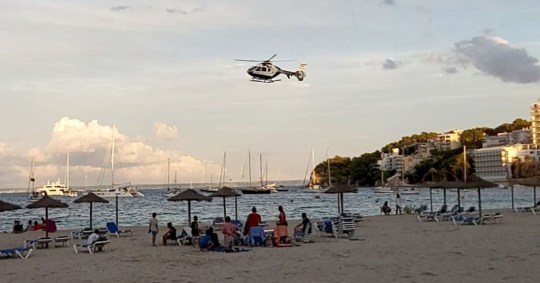 Police helicopter tells Majorca beach-goers to leave Pictures: Solarpix