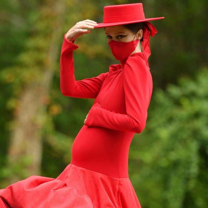 Pregnant Coco Rocha Makes a Splash at Christian Siriano's NYFW Show - E! Online