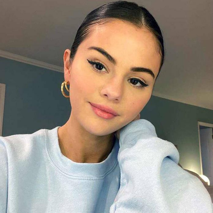 Selena Gomez Shows Off Kidney Transplant Scar in New Bathing Suit Pic - E! Online