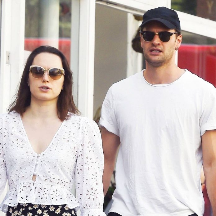 Why Daisy Ridley Is Fueling Marriage Rumors With Tom Bateman - E! Online