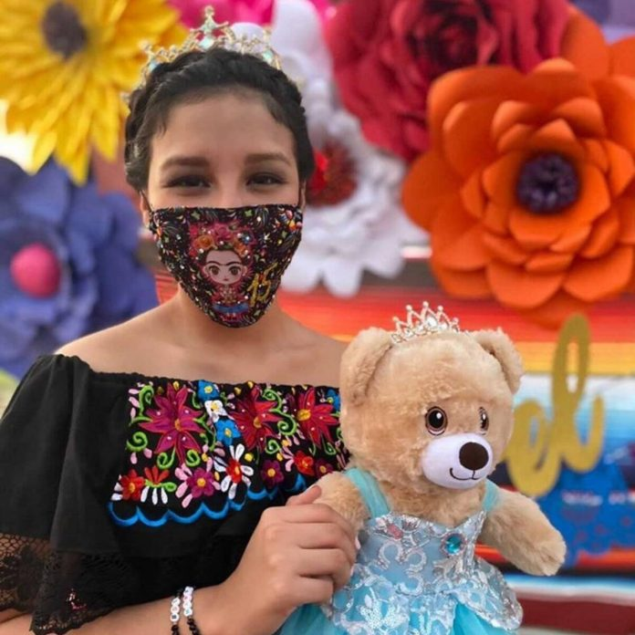 10 Teenagers Who Wouldn't Let Quarantine Ruin Their Quinceañera - E! Online