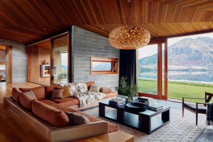 pjm020719q202-luxe-wanakanz-livingroom-0264-lighton-r1