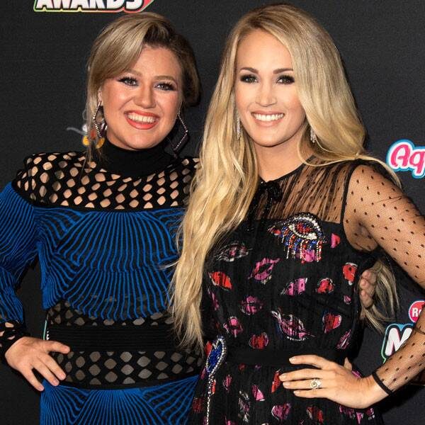 Kelly Clarkson Recalls Signing an Autograph as Carrie Underwood - E! Online