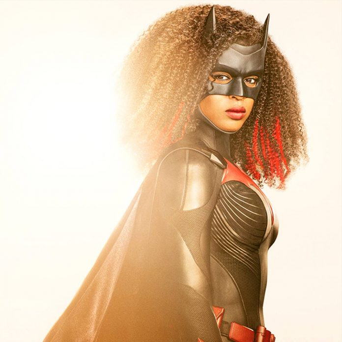 See Batwoman Star Javicia Leslie in the New Batsuit - E! Online