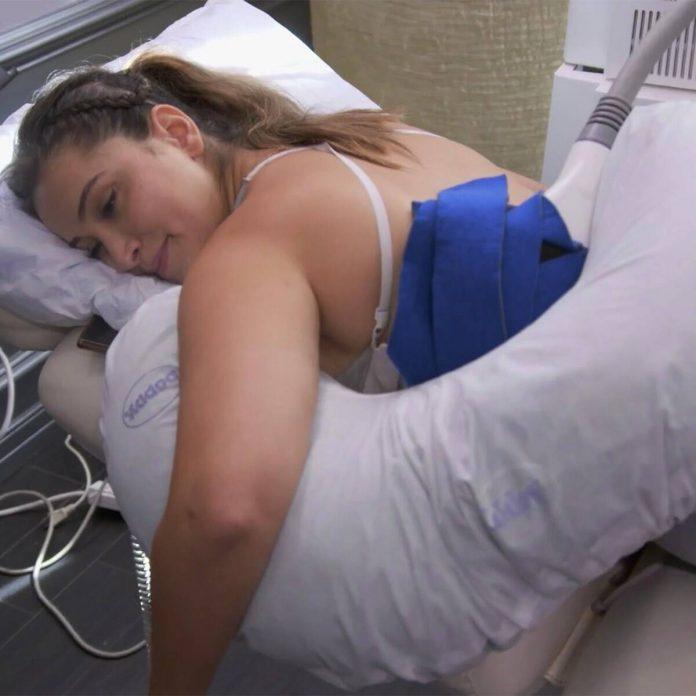 A Social Media Influencer Gets Her Fat Frozen on Dr. 90210 - E! Online
