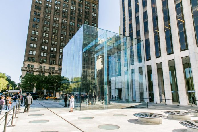 101-apple-store-the-cube-reopening-nyc-2019