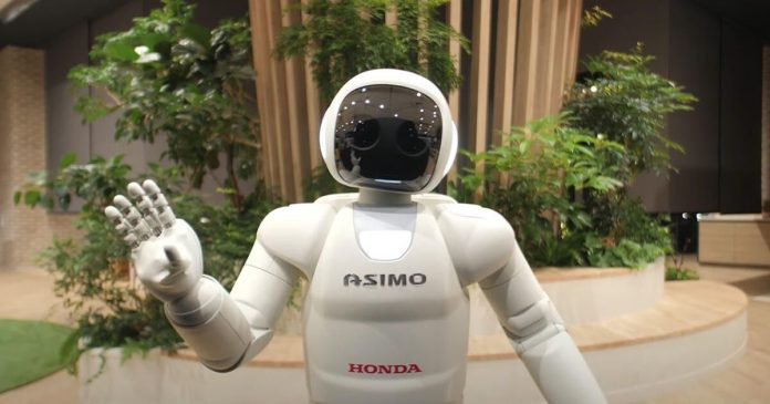 Honda's cute robot friend Asimo turns 20