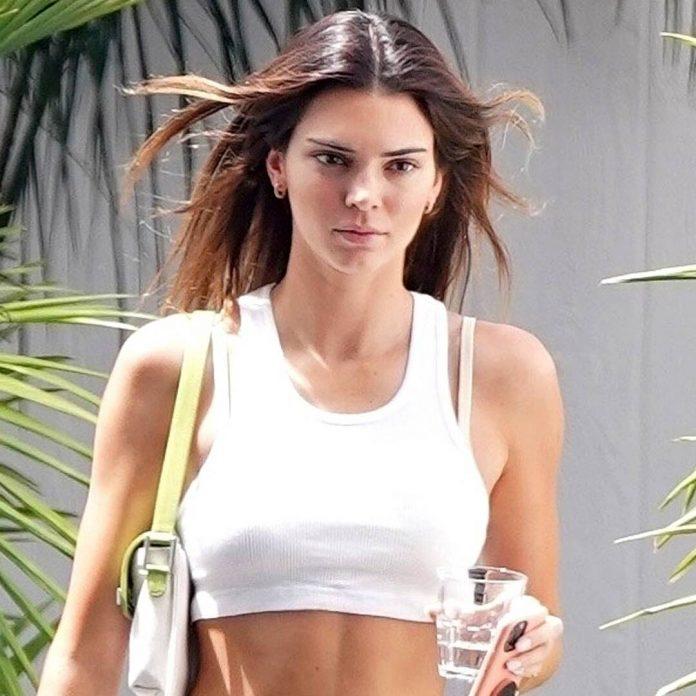 Kendall Jenner Reveals Her Secret to Overcoming 'Brutal' Acne Struggle - E! Online