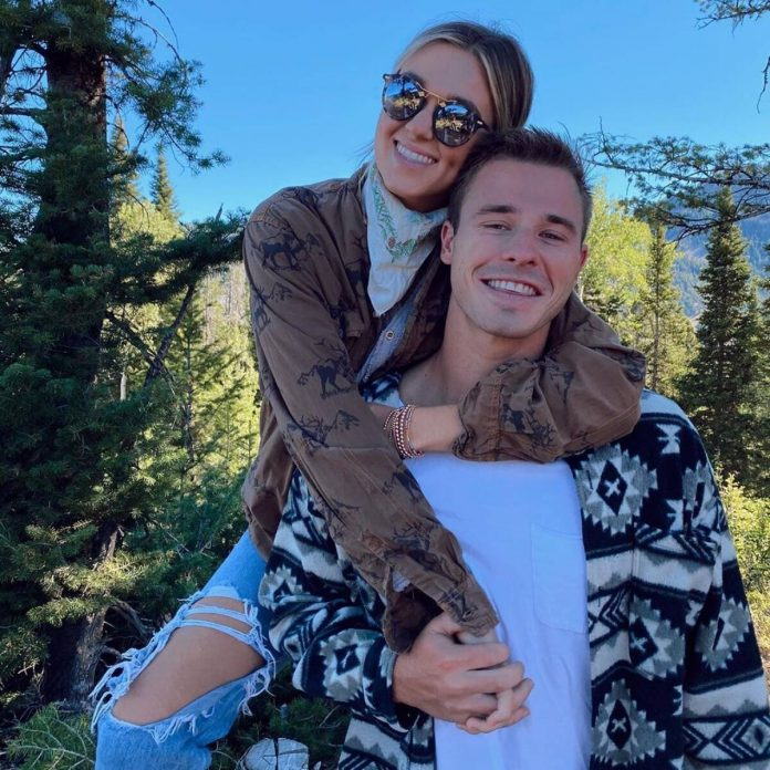 Sadie Robertson Reveals the Sex of Her and Christian Huff's First Baby - E! Online