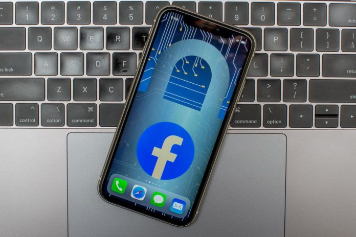 Facebook-logo-phone-eye-4680