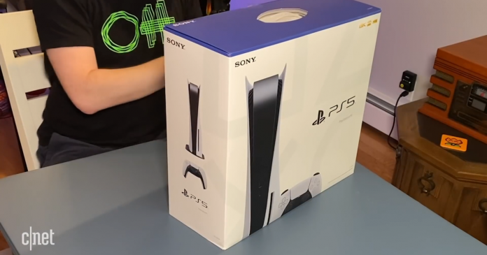 Unboxing the PlayStation 5, Starlink satellite broadband goes live - Video