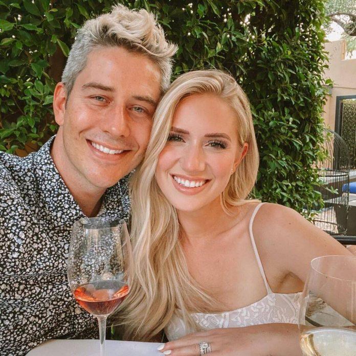 Bachelor's Arie Luyendyk and Lauren Burnham Reveal Sex of Twins - E! Online