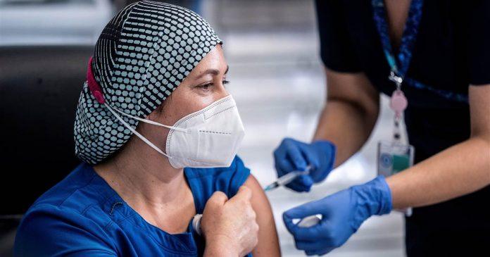 Chilean lawmakers propose making coronavirus vaccine mandatory