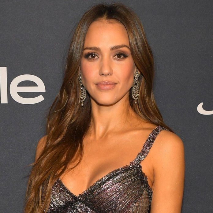 "Jessica Alba Reveals Why Her Kids Think She's the ""Most Cringey Mom"" - E! Online"