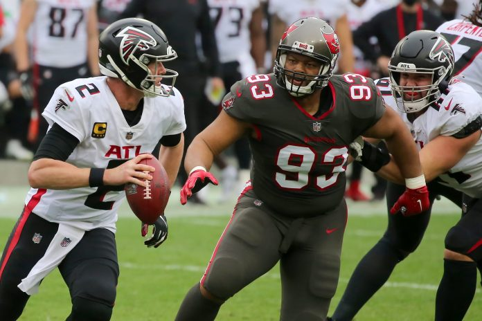 NFL Buccaneers' Ndamukong Suh using Warren Buffett's advice