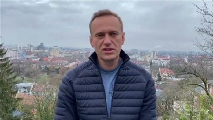 Putin critic Alexei Navalny detained upon return to Russia after poisoning