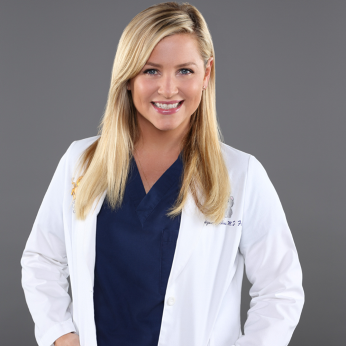 Watch Jessica Capshaw Reunite With the Grey's Anatomy Cast - E! Online