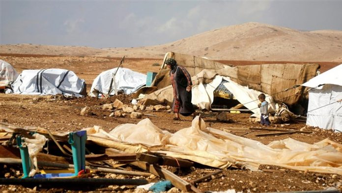 Israel begins razing Palestinian Bedouin village for second time