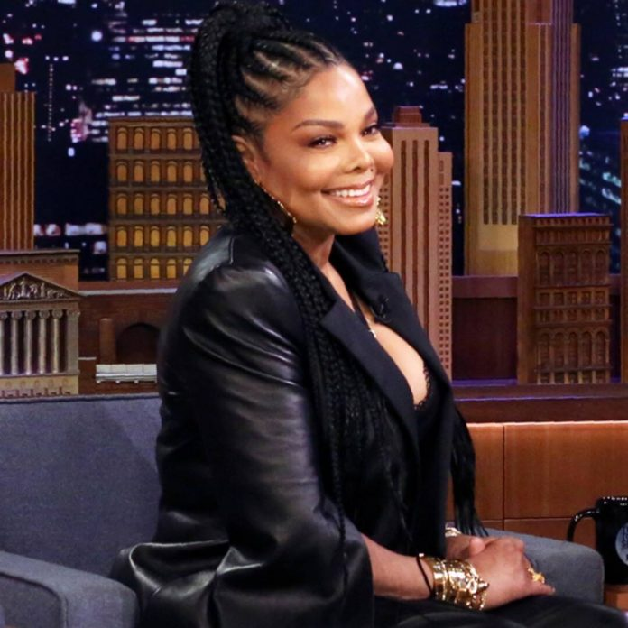 Janet Jackson Reacts to Post Following Justin Timberlake's Apology - E! Online