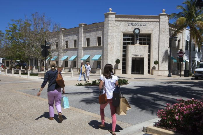 Thriving Palm Beach scene draws Fifth Avenue retailers during Covid