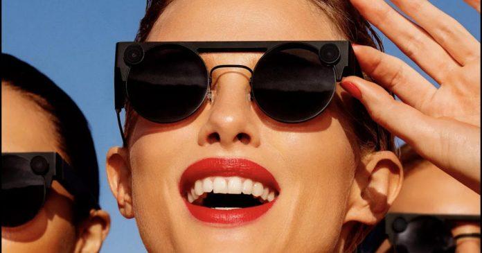 Third-generation Spectacles, Facebook was transcribing Messenger calls - Video
