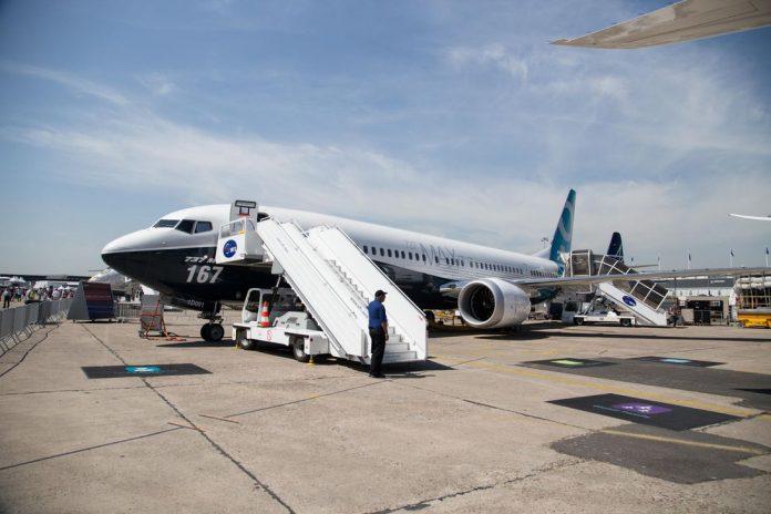paris-airshow-onboard-boeing-787-10-737-max-25