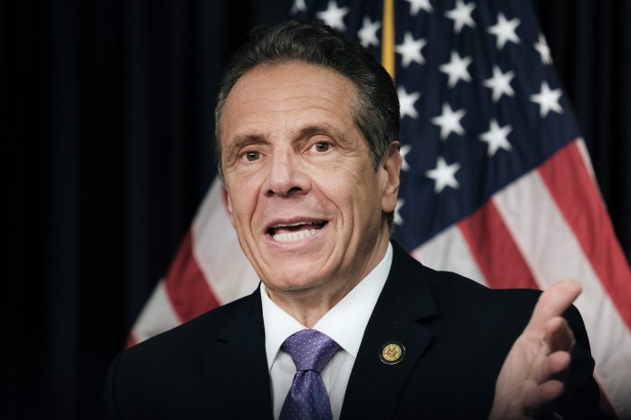 Cuomo privately calls on business leaders to stay in NY, lobby on SALT