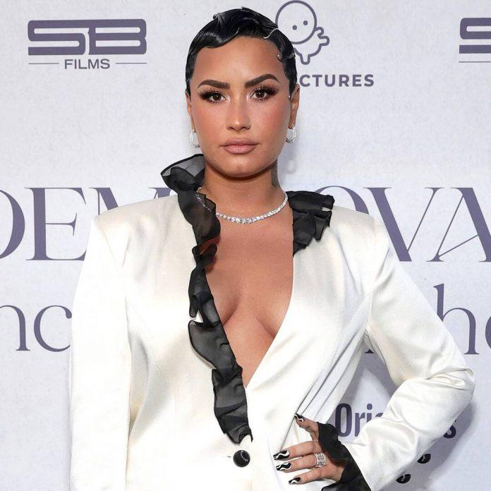 "Demi Lovato Details Her ""Daily"" Eating Disorder Struggle - E! Online"