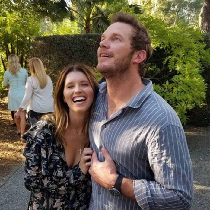 How Chris Pratt Supports Katherine While She's Breastfeeding Baby Lyla - E! Online