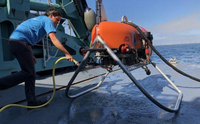 Orpheus Submersible Robot