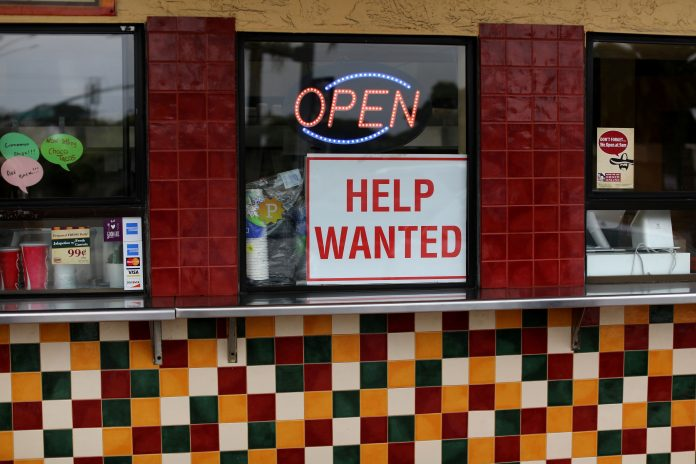 U.S. Chamber of Commerce rips $300 jobless benefit, calls for repeal