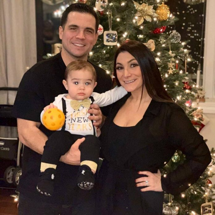 Watch Deena Cortese's Son Meet Baby Brother Cameron for the First Time - E! Online