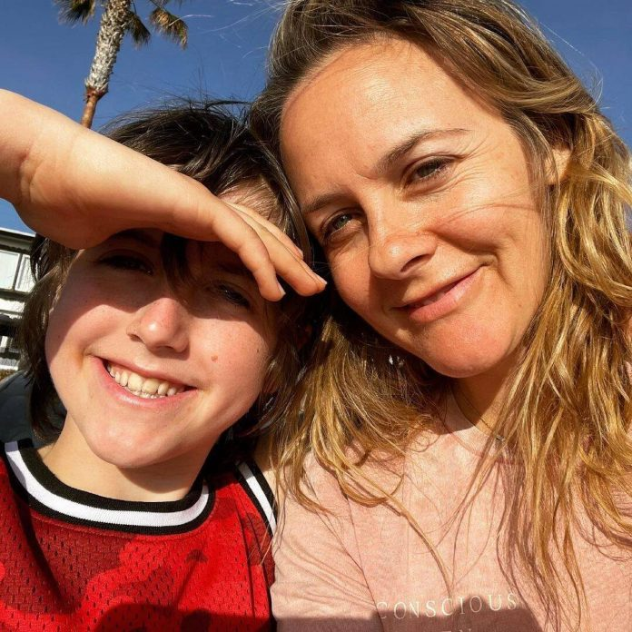 Alicia Silverstone Reenacts Clueless Scene With Son for TikTok - E! Online