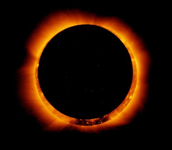 Hinode Observes Annular Solar Eclipse