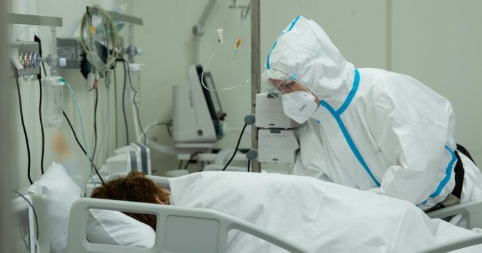 Moscow orders new restrictions as Covid-19 infections soar in the city